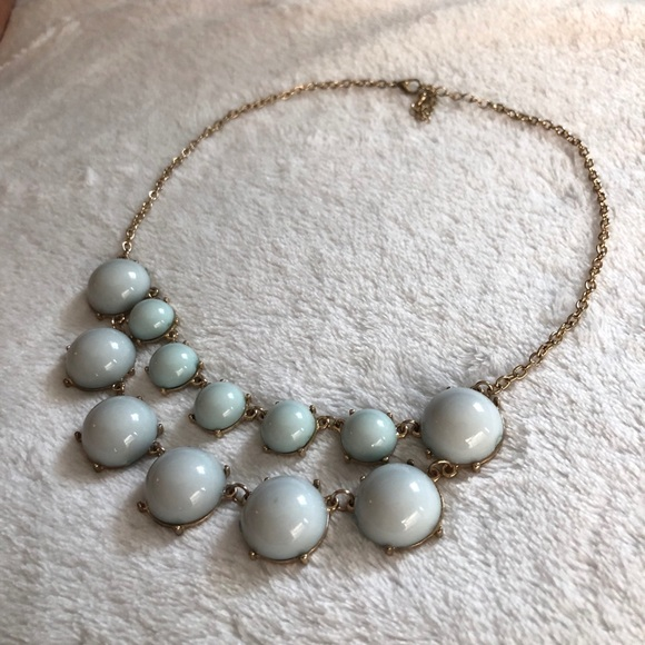 Forever 21 Jewelry - Mint statement necklace!